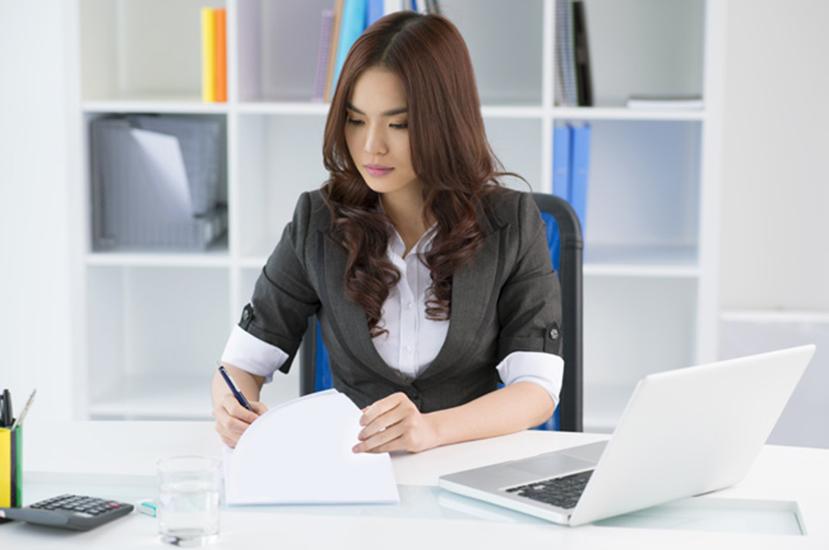 Nhân viên hành chính văn phòng là ai? Nhà tuyển dụng cần gì khi tuyển dụng nhân viên hành chính văn thư?