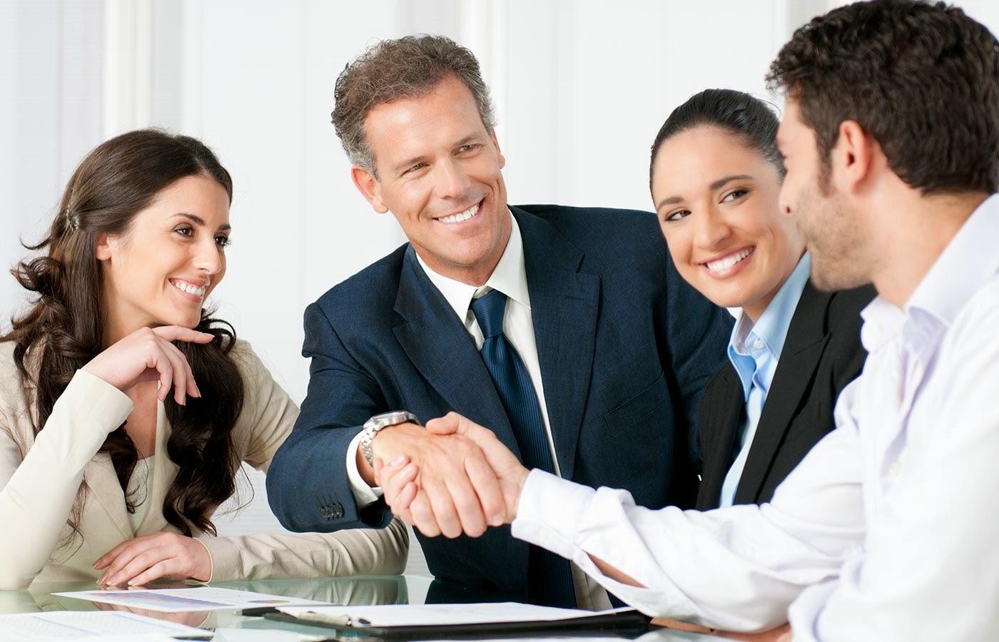 """Đi làm muốn được đồng nghiệp yêu quý, sếp không """"bắt bẻ"""", hãy ghi nhớ 5  nguyên tắc này"""
