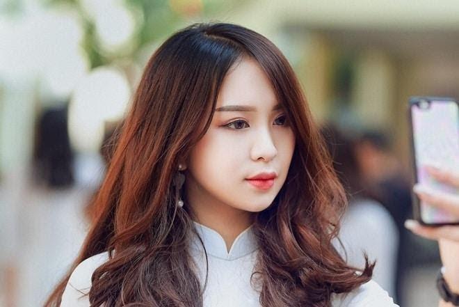 Kiểu tóc dài ngang vai uốn đuôi